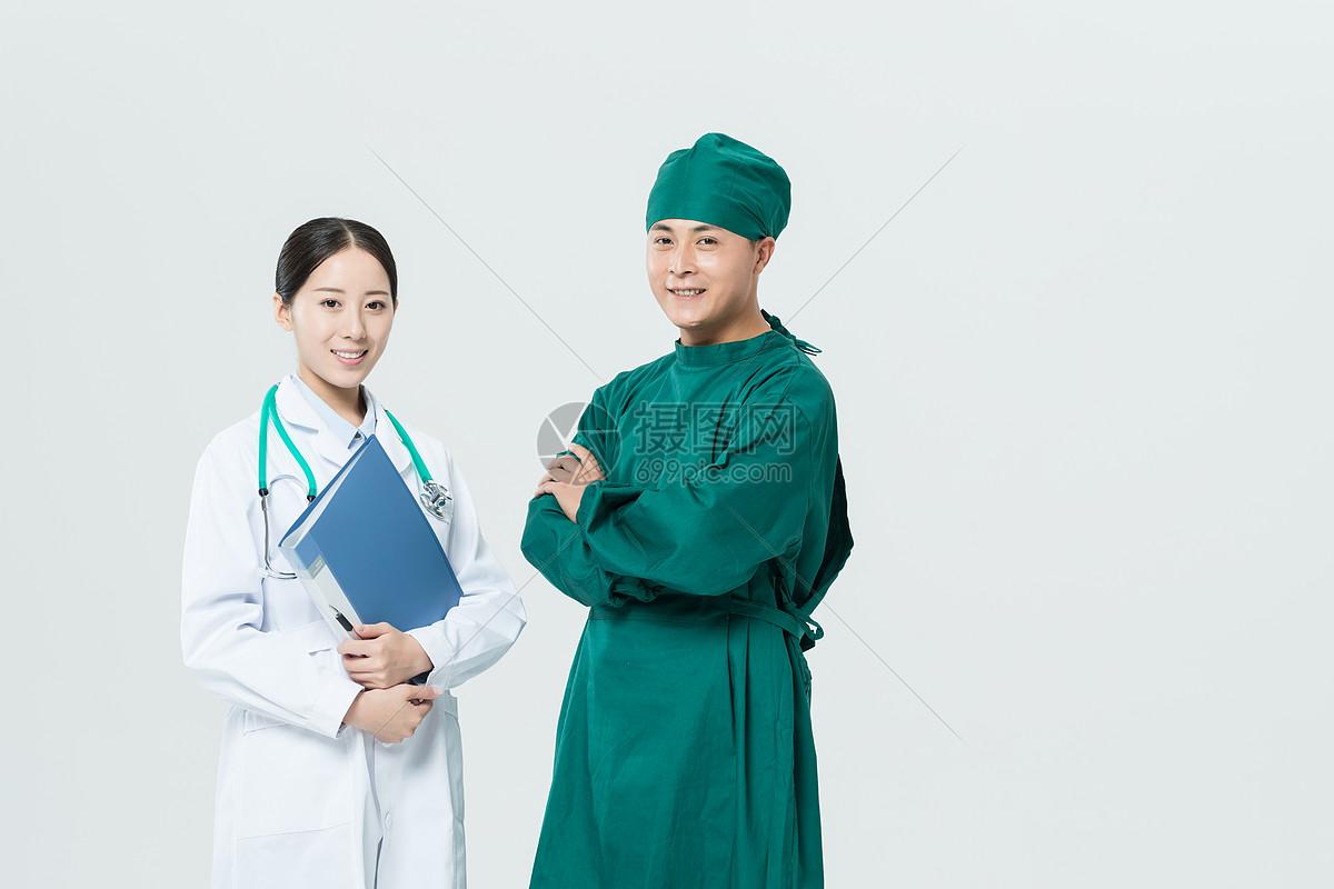 医生和护士讨论图片