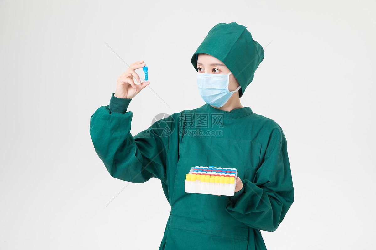 科研人员药品研究图片