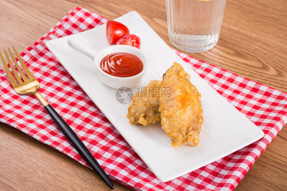 美味炸鸡翅图片