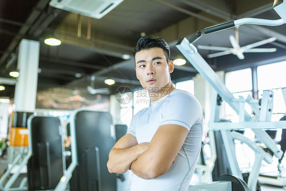 健身男性形象图片