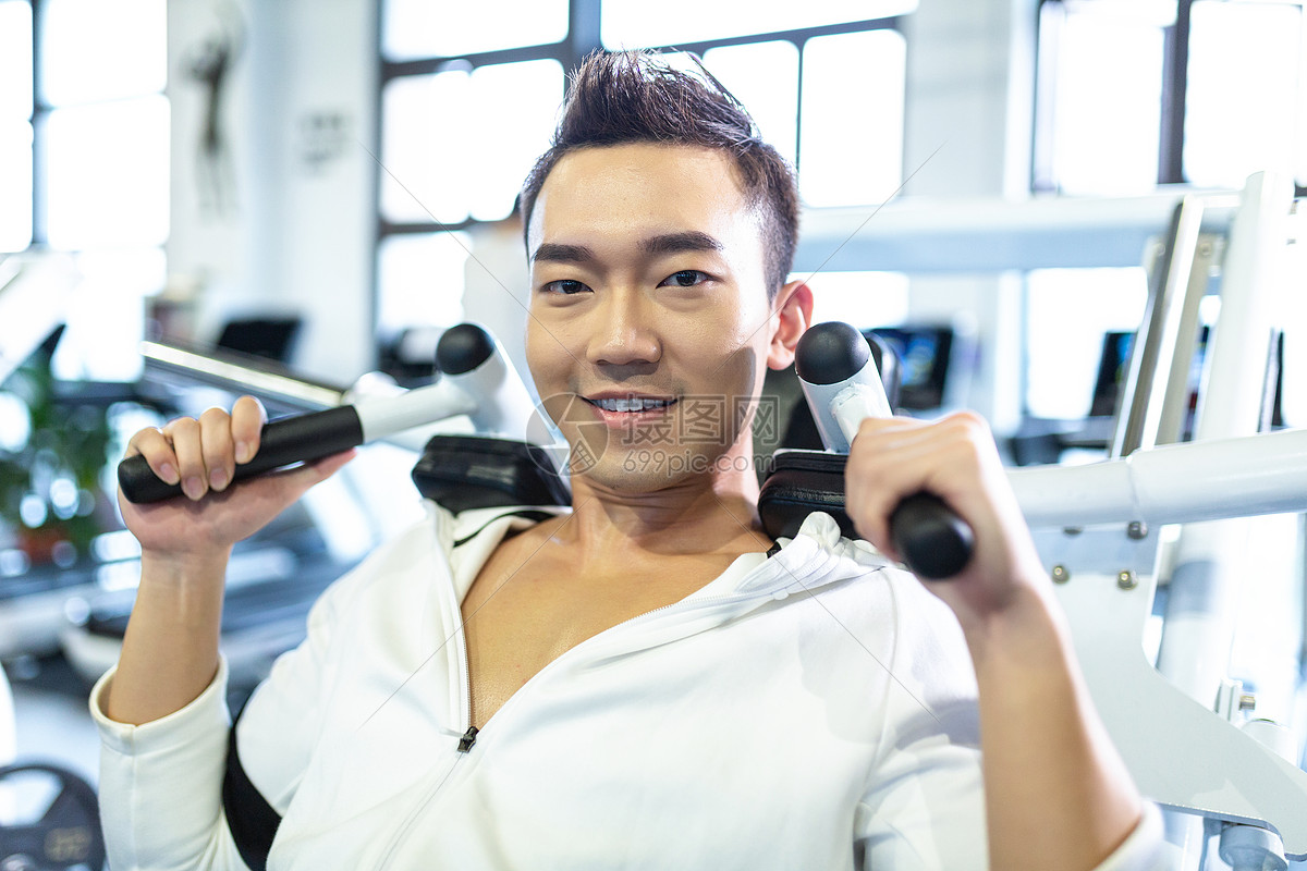运动健身男性形象图片