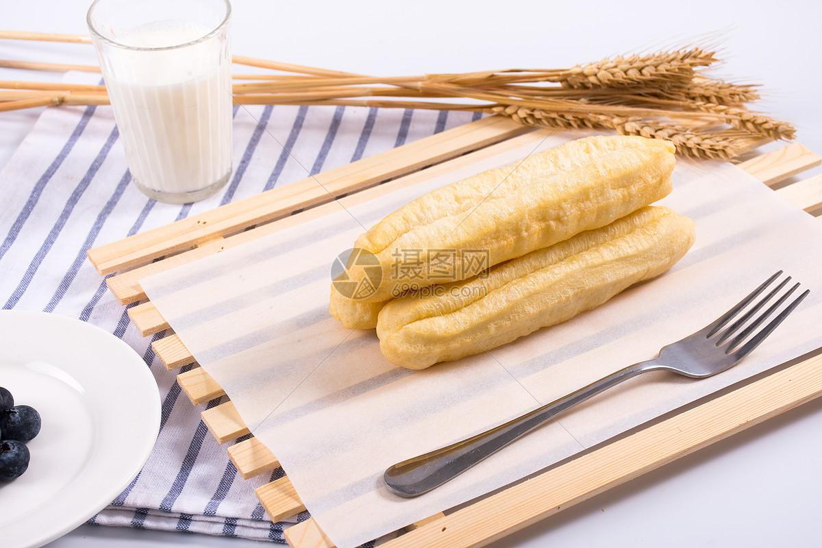 中式油条早餐图片