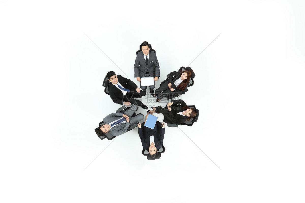商务团队合作俯拍图片