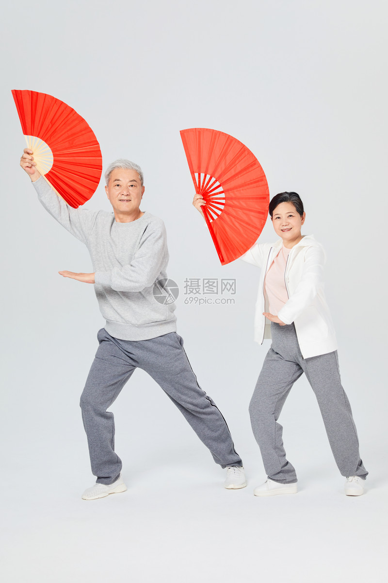 老人运动功夫扇图片