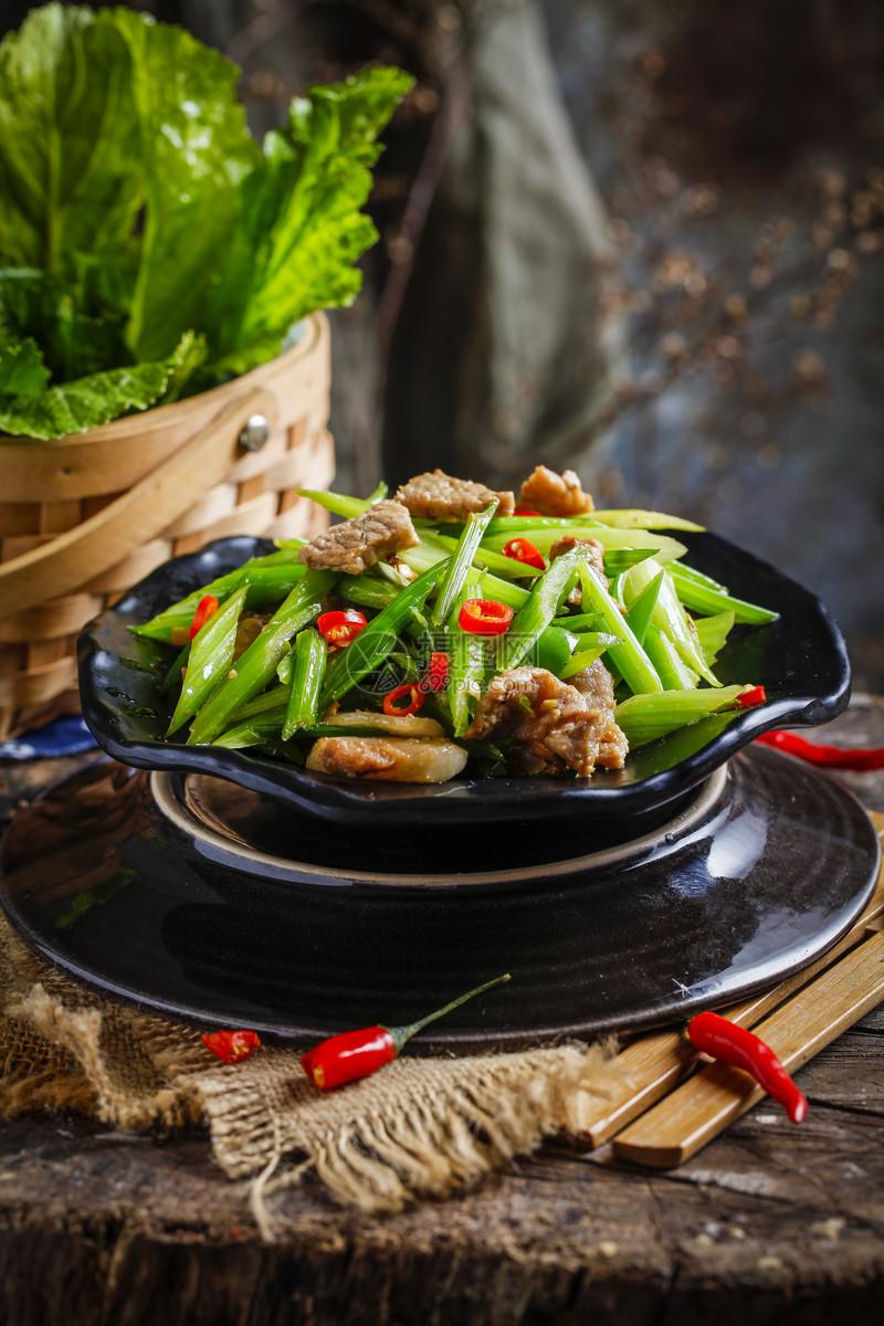 芹菜炒肉图片