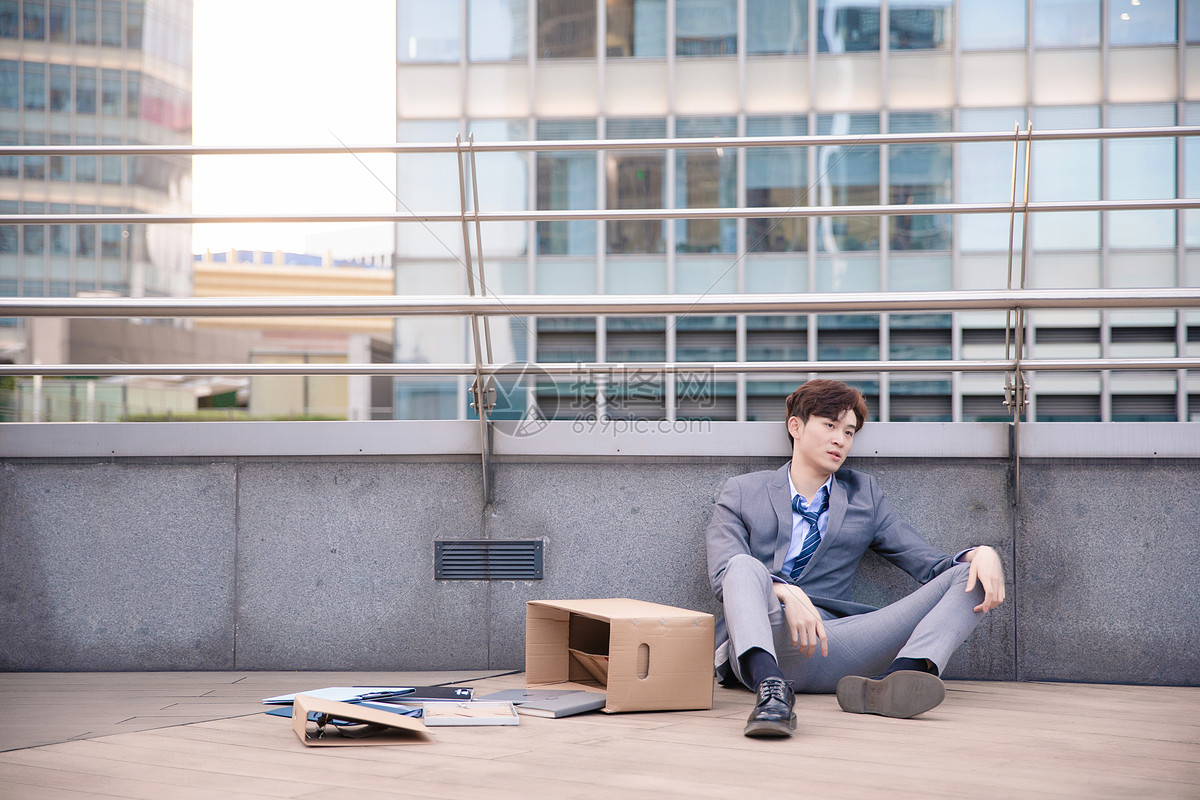 失业男性青年图片