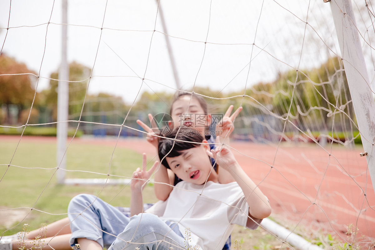 小学生操场活动图片