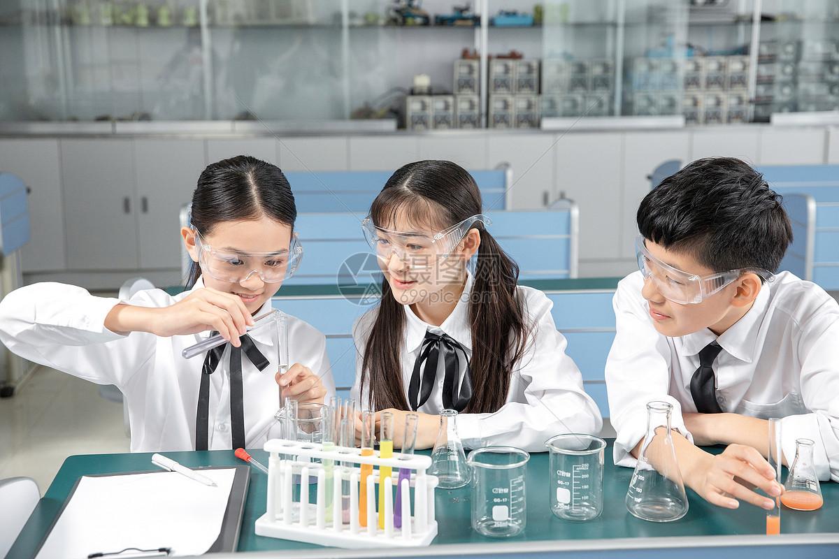 初中生化学实验图片