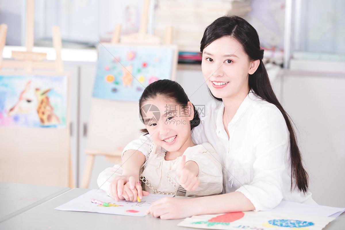儿童一对一兴趣培训图片