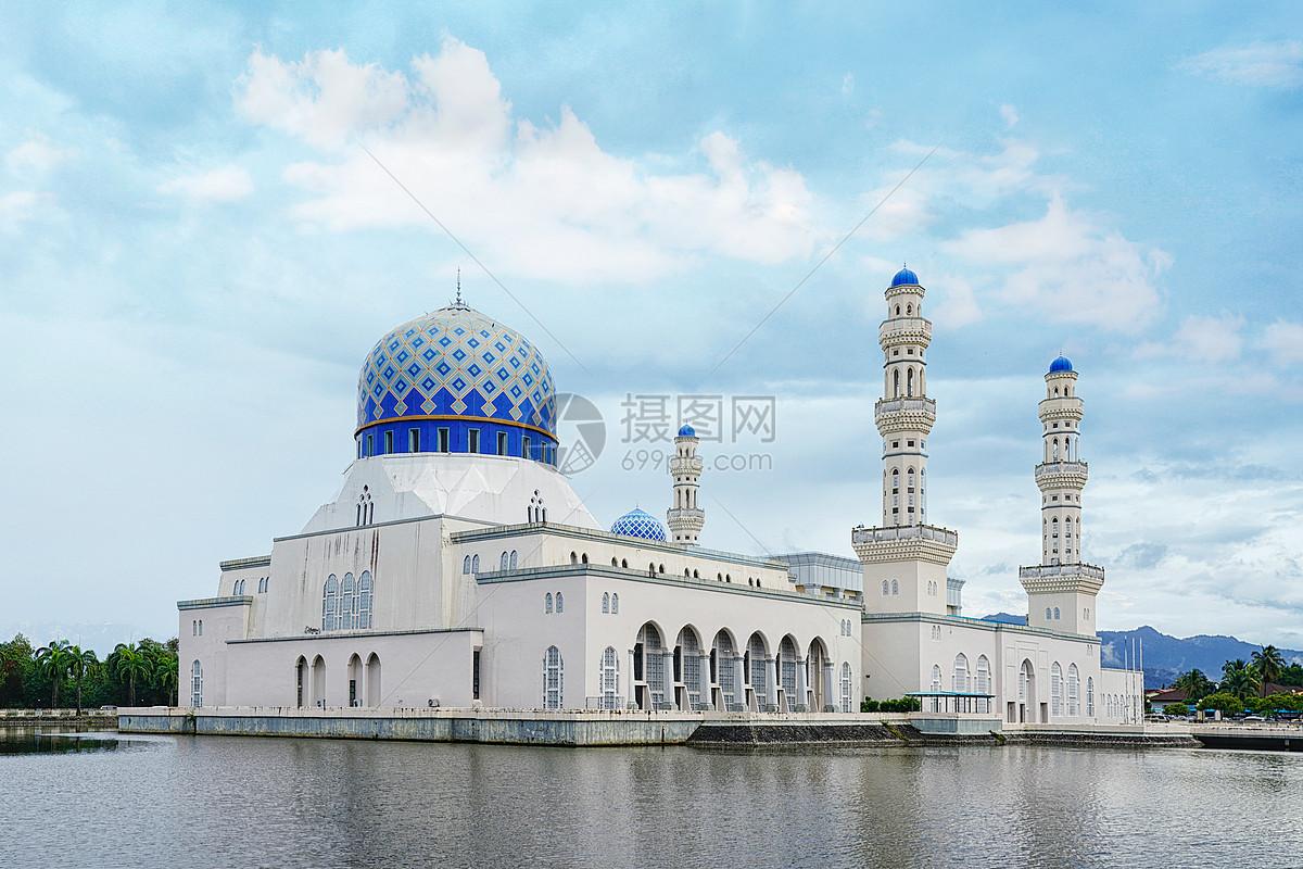 亚庇水上清真寺图片