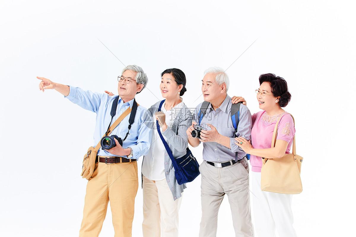 老年人出游图片