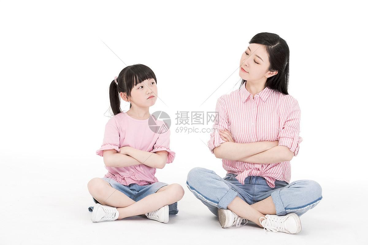 搞怪母女图片