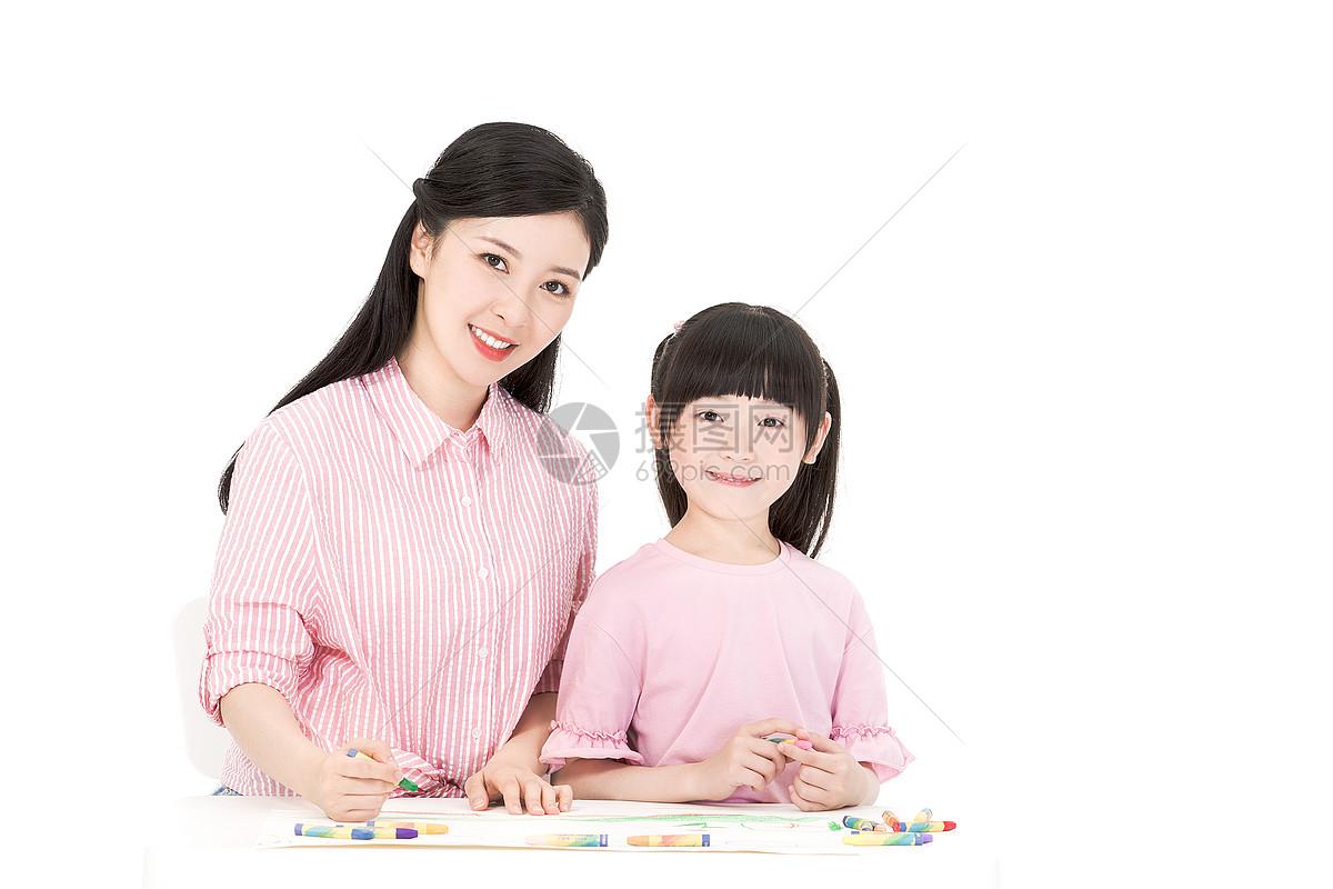 母女画画图片
