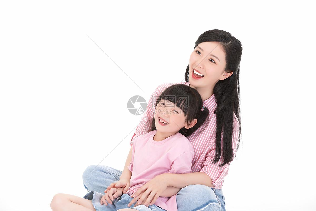 亲密母女图片