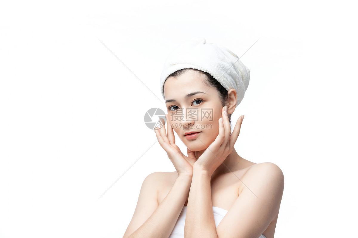 女性护肤图片