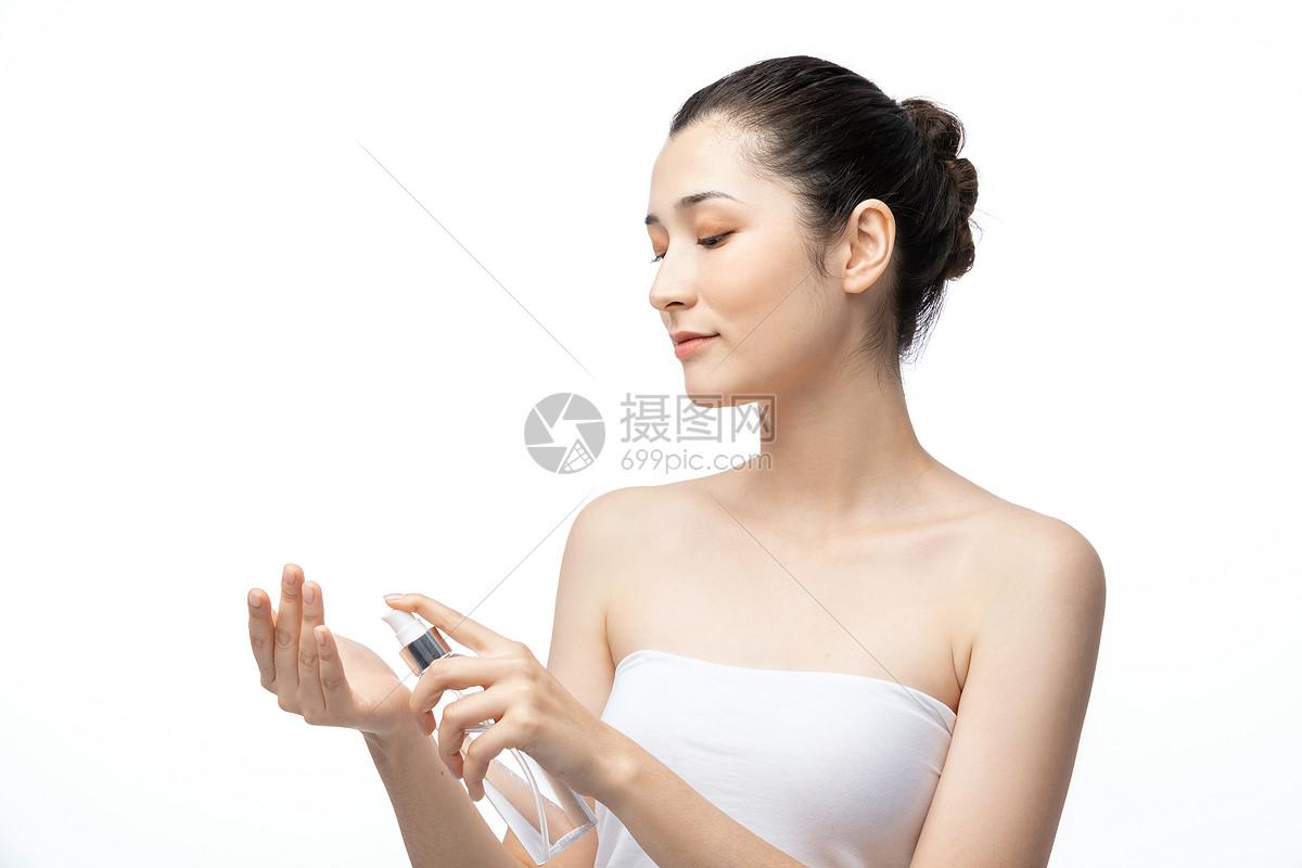 女性护肤爽肤水图片