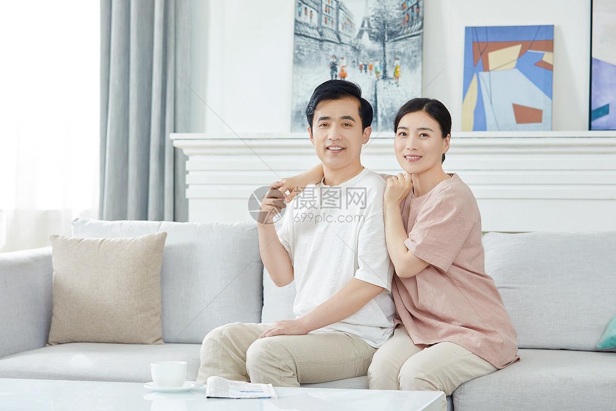 中年夫妇图片