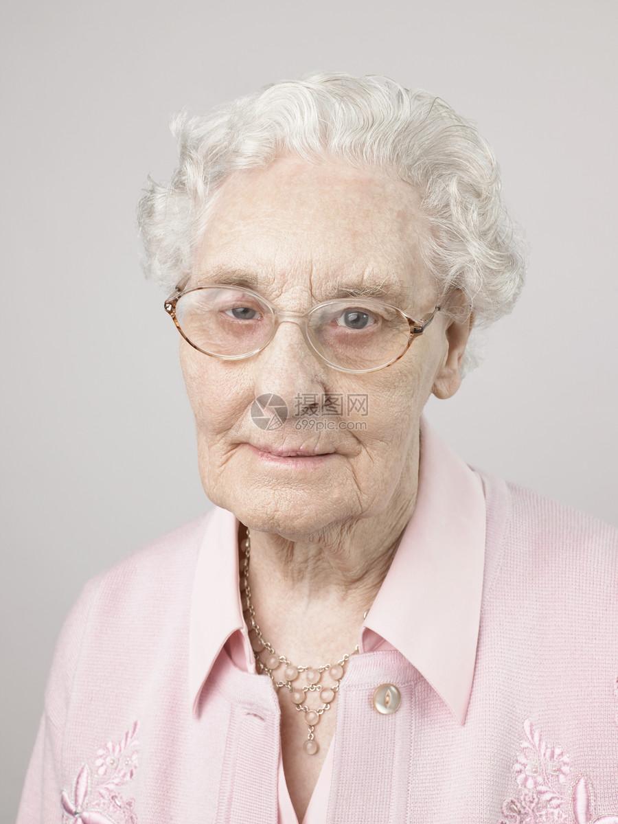 老年女性图片
